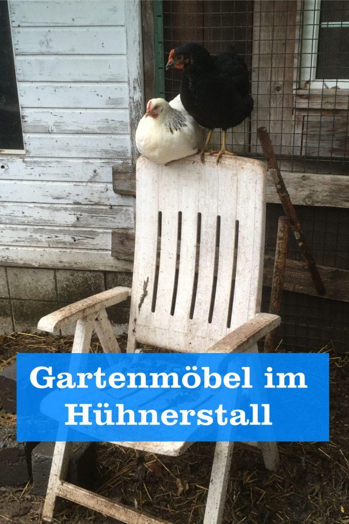 Gartenmöbel im Hühnerstall